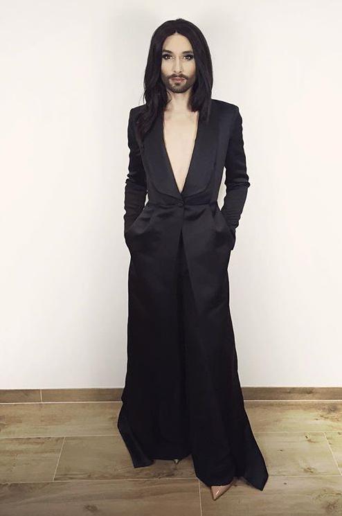 «Кончита, грешна ты!»: Анна Нетребко поделилась снимком с победителем «Евровидения-2014»