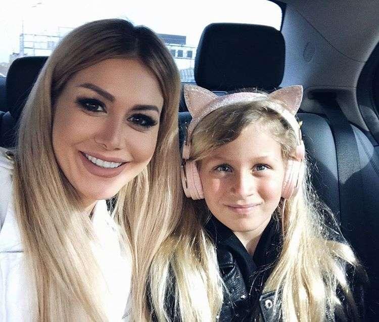 Белла Потемкина настроена отправить 9-летнюю дочь в летний лагерь