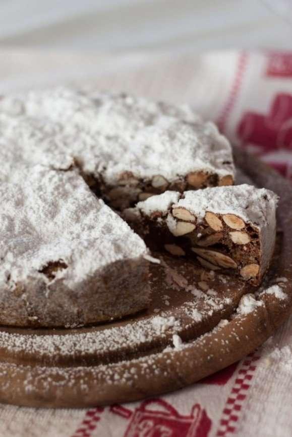 Панфорте - острый рождественский пирог из Сиены