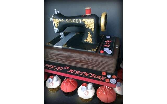 16 замечательных десертов в виде швейных принадлежностей