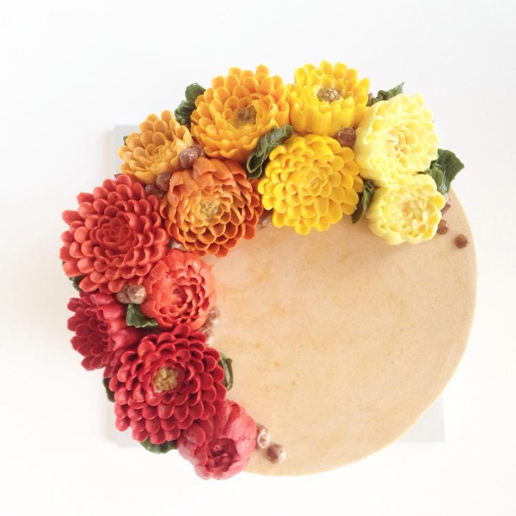 Цветы из масляного крема