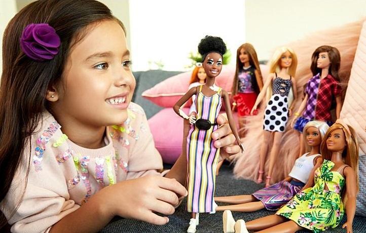Девушки бывают разные! Серия кукол Барби с витилиго, протезом ноги и без волос поступила в продажу