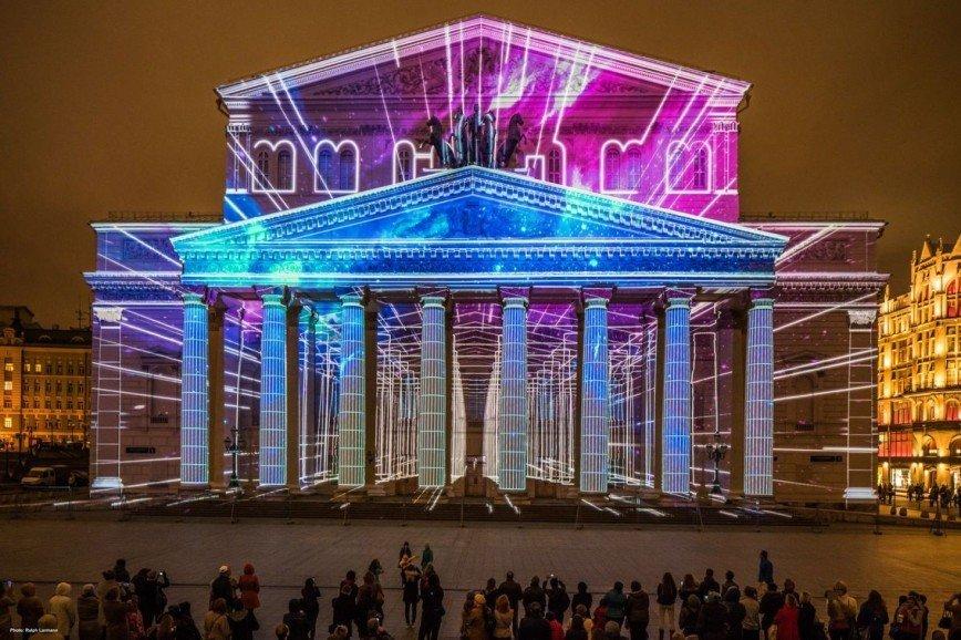 Видеопроекции и «ожившая» архитектура: фестиваль «Круг света»