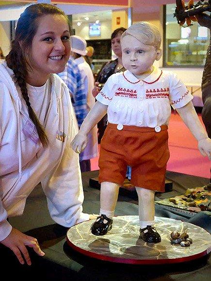 Кондитер сделала торт в виде наследника британского престола